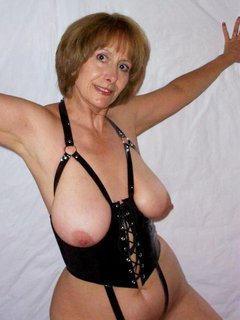 Mature wife from paignton