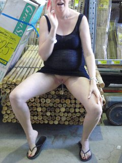 Sexy mature blowjob. Want one?
