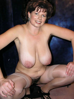 Mature babe get screwed and got a facial cum
