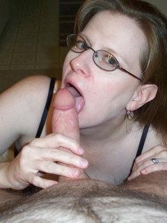 Mature quick fingering her shaved twat