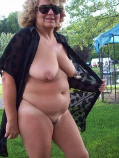 Another mature hotwife with black bull