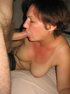 Peeping tom gets lucky with hairy mature babe