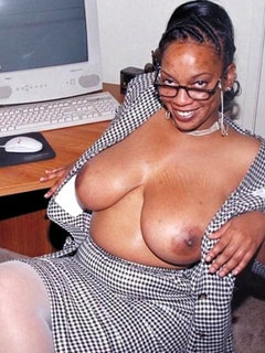 Horny mature housewife... F70