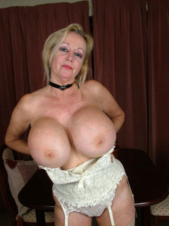 Mature milf sluts it up for camera part 2