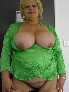 Glass wearing mature granny with huge saggy tits