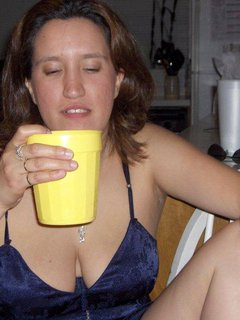 Outdoor mature lady loves dogging