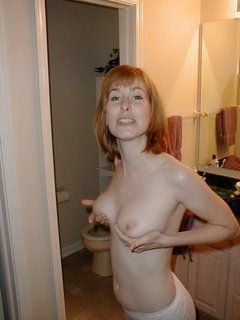 Mature amateur plays with her pussy and thinks of the doctor