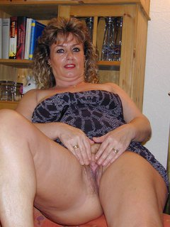 Hot mature cougar lucy banging