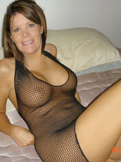 Mature cd spunks thru her tights