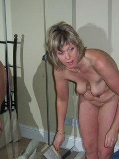 Hidden cam - work colleague gilf mature changing