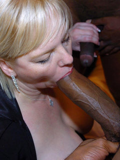Mature dee blowjob