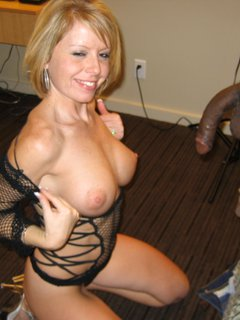 Very hot wet mature milf. By pornapocalypse