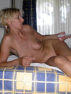 Russian mature shows her best p. 2