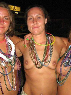 Big titted mature enjoys an outdoor shag - bostero