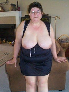 Busty mature bbw shows off hairy pussy