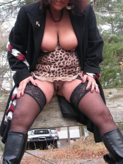 Busty mature bbw with hairy pussy in tite skirt and fishnets