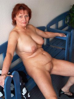 Sexy mature mom fuck her boy! Amateur!