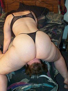 Mature thai woman riding hard with younger