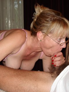 Blond mature webcam play - negrofloripa